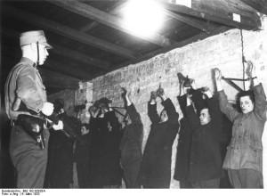 Verhaftung von Kommunisten durch SA in Berlin am 6.3.1933, am Tage nach den Reichstagswahlen